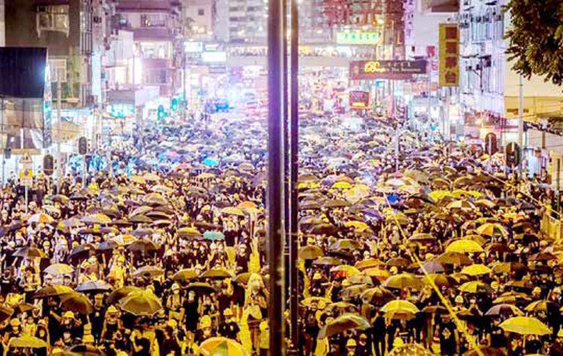 چین و معضل مواجهه با خیزش گسترده هنگکنگ