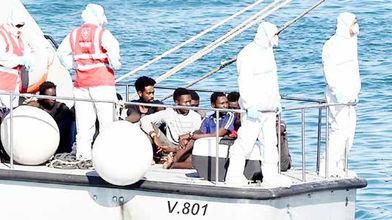27 پناهجوی سرگردان به ایتالیا راه یافتند