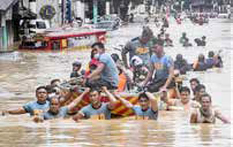 وقوع همزمانِ توفان و زلزله در فیلیپین