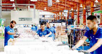 سهام کارخانهها به کارگران آنها واگذار شود