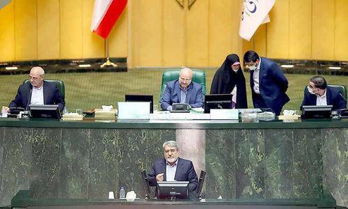 اولین حضور پرتنش وزیر کشور  در مجلس اصولگرا