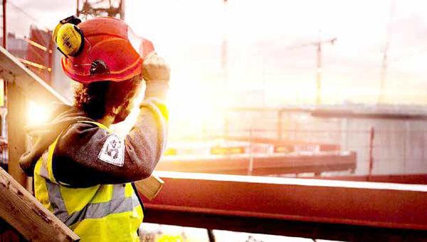 افزایش دستمزد کارگران زیرسایه گرانی بنزین