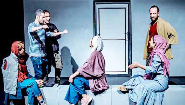 روایتهای انتقادی در برابر تئاترهای خنثی