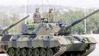 فرانسه صادرات اسلحه به ترکیه را قطع کرد