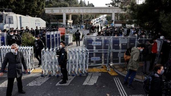 پلیس استانبول ۱۵۹ دانشجوی معترض را بازداشت کرد