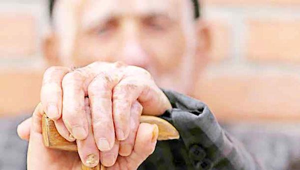 زندگی یک بازنشسته بیمار با ماهانه 500 هزار تومان